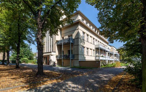 Thäterstraße 9